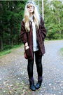 Brown-second-hand-jacket-black-monki-leggings-white-h-m-shirt