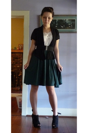 f21 shirt - borrowed sweater - aa skirt - aa belt - Steve Madden shoes