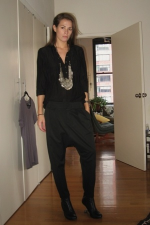 forever 21 blouse - zara spain pants - necklace - united nude shoes
