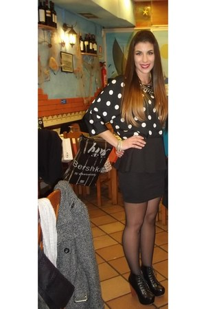 Primark blouse - Jeffrey Campbell boots - Bershka skirt - Primark necklace