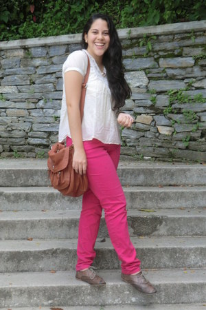 hot pink pants - brown oxfords shoes - off white shirt - brown bag