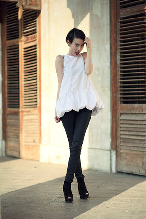 white Let them starecom blouse - black Mango boots - black Mango jeans