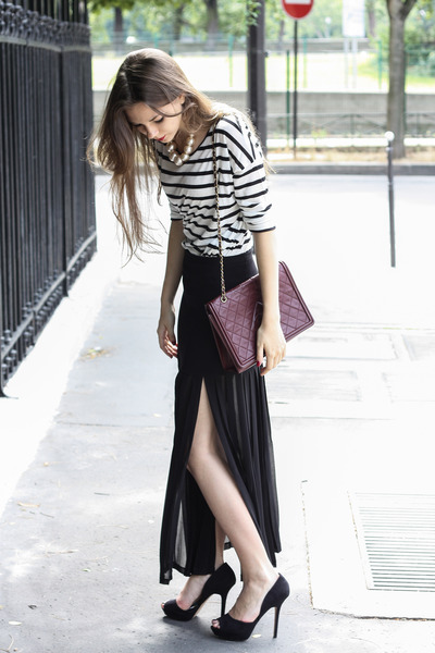 black SANDRO skirt - white Massimo Dutti shirt - crimson Chanel bag