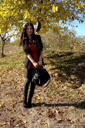 black pieces bag - burnt orange Vero Moda blouse - black Bershka pants