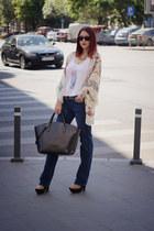 navy Zara jeans - white Stradivarius shirt - black Zara bag - Ray Ban sunglasses