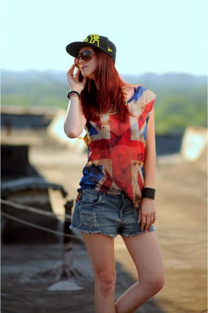 H&amp;M sunglasses - D&amp;C hat - glow fashion shorts - Zara top - black H&amp;M bracelet