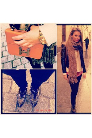bronze Hermes bag - black Zara boots - salmon Stradivarius shirt