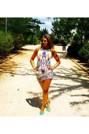 white Zara dress - green Ray Ban sunglasses - blue BLANCO sandals