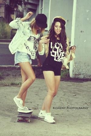Zara t-shirt - fundango shorts - Zara sneakers