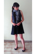 dress - H&M vest - H&M scarf