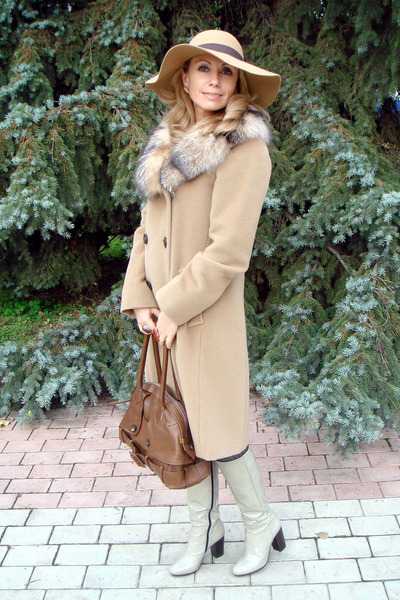 tawny H&M dress - beige Max Mara coat - beige Accessorize hat