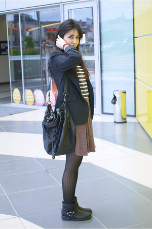 black thrift blazer - off white stripped Pull and Bear shirt - black Zara bag