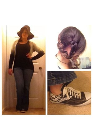 black floppy hat Charlotte Russe hat - blue flare jeans Style & Co jeans