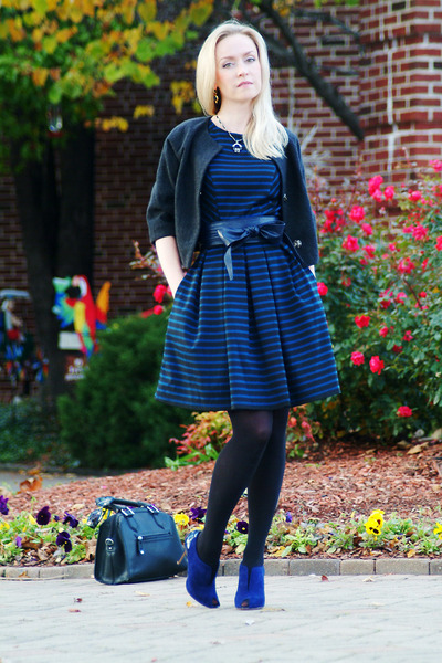 black London Fog bag - blue Elie Tahari shoes - navy Target dress