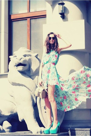 light blue Love dress - brick red vintage sunglasses - Christian Louboutin heels
