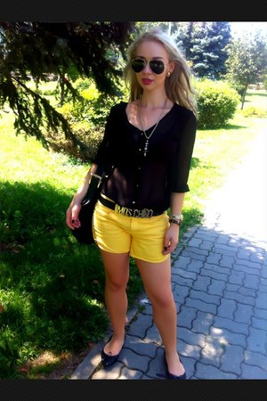 black Zara shirt - yellow jeans - black Marella bag - black Ray Ban sunglasses