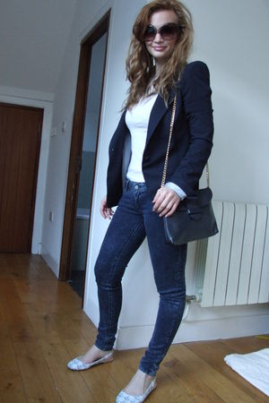 blue Zara blazer - blue Zara jeans - white Urban Outfitters shoes - white asosco
