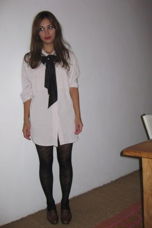 H&M shirt - Some old ribbon accessories - H&M tights