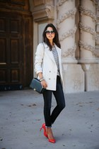 red Miu Miu pumps - ivory Gérard darel coat - navy Rich & Skinny jeans