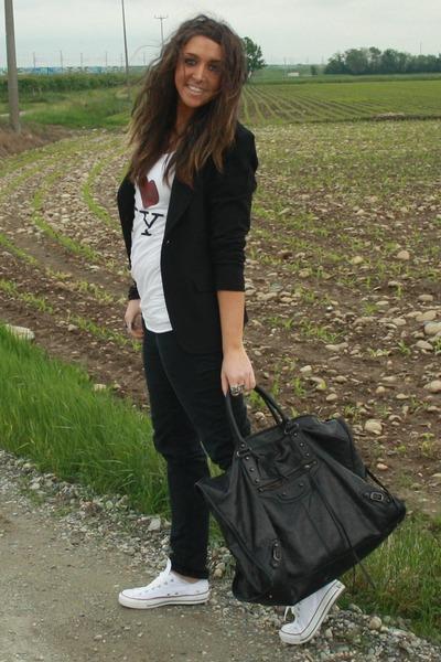 black Zara blazer - white Melville t-shirt - black H&M pants - white Converse sh