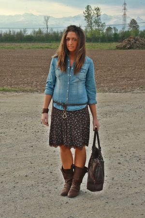 blue H&amp;M shirt - brown vintage skirt - brown no brand boots - brown vintage purs