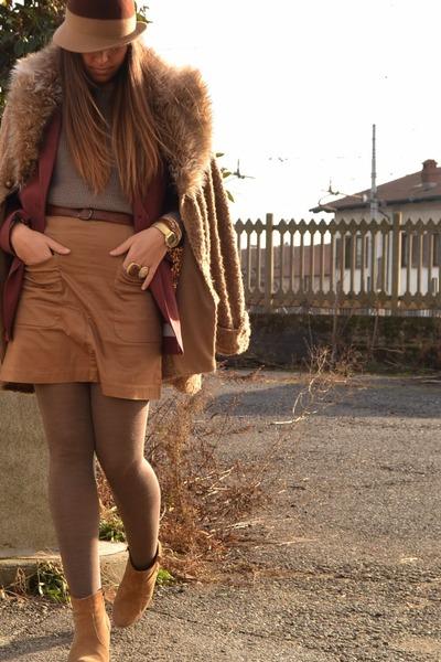 ruby red blazer H&M blazer - camel boots asos boots - brown coat Zara coat