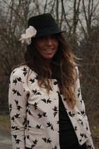black hm man hat hat - neutral hm Jacket jacket - neutral hm Flower accessories