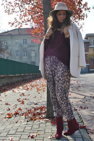 crimson H&amp;M sweater - ivory Zara coat - eggshell Topshop hat
