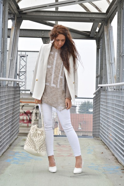 white H&M wedges - camel happiness sweater - off white Mango blazer