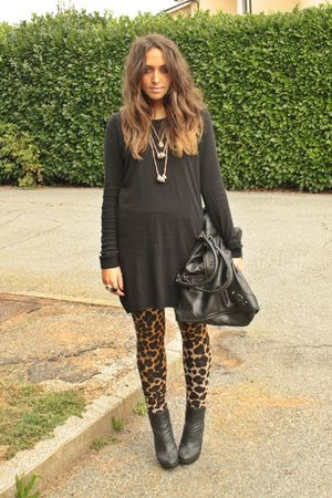 black H&M shirt - gold H&M leggings - black silvian hech boots - gold H&M neckla