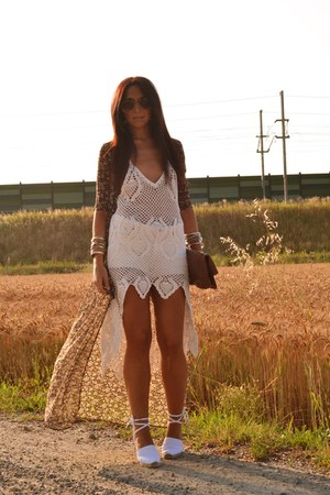 white Castañer wedges - off white Chicwish dress - light brown Bershka cardigan