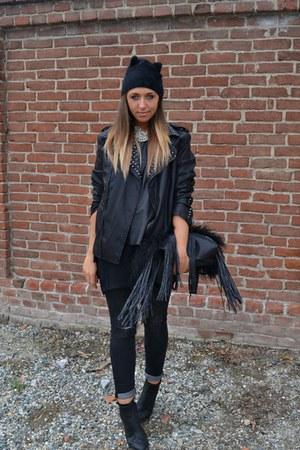 black H&M hat - gray H&M jeans - black Zara Man jacket - black REPLAY bag