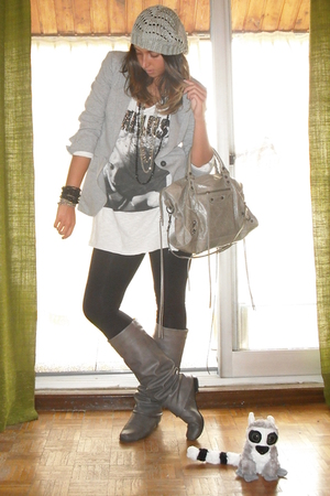 Zara blazer - Zara t-shirt - Zara leggings - Coolway boots - H&amp;M bracelet - H&amp;M 
