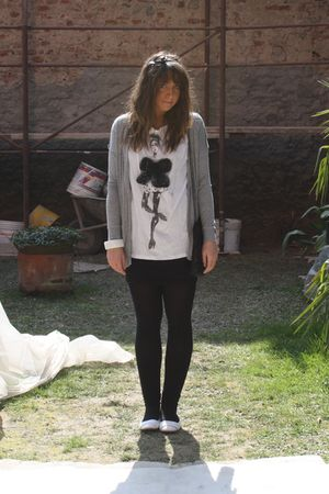 gray Zara cardigan - white Zara t-shirt - black H&M skirt - white viamaestra sho