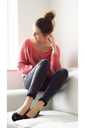 charcoal gray ankle skinny Zara jeans - salmon knit Zara sweater