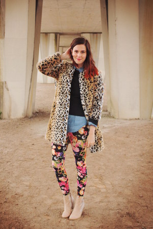 bubble gum leggings - camel coat - black sweater
