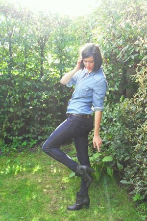 blue pants - blue shirt - black boots