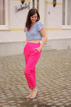 hot pink pants