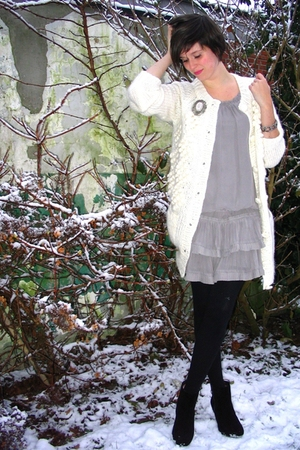 gray dress - white sweater - silver accessories - black boots - black tights