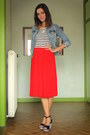 Sky-blue-jacket-red-skirt-black-wedges