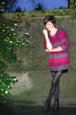 pink sweater - black skirt - black tights - black boots