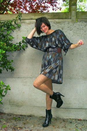 silver dress - brown leopard tights - purple belt - black boots