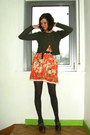Army-green-cardigan-carrot-orange-dress-dark-brown-clogs-dark-brown-tights