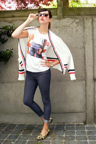 gray leggings - tan flats - white cardigan - red cardigan - navy cardigan