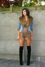 Black-boots-blue-jacket-brown-shorts-green-top-brown-scarf