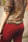 Camel-blouse-crimson-pants-dark-brown-clogs