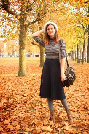 brown boots - black bag - heather gray top - navy skirt