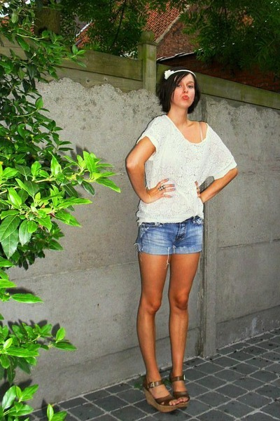 white H&amp;M top - blue Diesel shorts - brown texto shoes - white H&amp;M accessories -