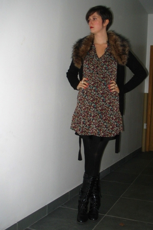 H&amp;M sweater - Pimkie dress - Pimkie tights - Sacha boots