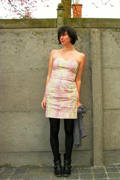 pink dress - black boots - gray cardigan - black tights